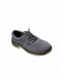 Zapato de serraje con puntera y plantilla de acero